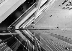 #41 Corner (tokyobogue) Tags: tokyo japan marunouchi nikon nikond7100 d7100 tamron tamron1024mmdiiivc blackandwhite blackwhite monochrome kittebuilding lines reflections glass 365project