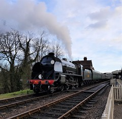 2018 0212 520 (SGS8+) Bluebell Railway; Sheffield Park (Lucy Melford) Tags: samsunggalaxys8 bluebell railway steam train departing southern sheffield park