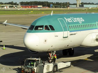 Airbus A320-214 EI-DEM