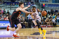ECU Basketball '18 (R24KBerg Photos) Tags: ecu eastcarolina eastcarolinauniversity eastcarolinapirates ecupirates greenvillenc williamsarena mingescoliseum houstoncougars basketball sports canon collegesports college athletics americanathleticconference aac ncaa 2018 hoops