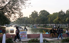 delhi afternoon in the park (kexi) Tags: delhi india asia people afternoon park leisure relax canon february 2017 water boats channel plenty many instantfave