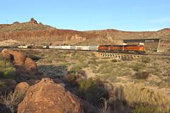 BNSF 6733 Kingman Canyon A.Z (Gridboy56) Tags: kingman arizona america usa sawmillcanyon bnsf railways railroad railfreight freight cargo wagons locomotive locomotives trains train 6733 4435 3948 manifest
