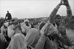 ll narmade har ll, vimaleshwar (nevil zaveri (thank you for 15 million+ views)) Tags: zaveri people india narmada photography photographer images photos blog holy stockimages river photograph photographs nevil nevilzaveri stock photo parikramavasi prikrama monochrome blackandwhite bw gujarat gujrat vimaleshwar group women woman man men pilgrims boat veil couple old vehicles