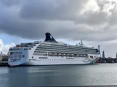 Norwegian Spirit (Miguelángel) Tags: palmasport buque boat crucero cruise laspalmas cruisesintheatlanticislands norwegianspirit ncl liner trasatlántico