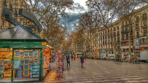"""Las Ramblas. Barcelona. • <a style=""""font-size:0.8em;"""" href=""""http://www.flickr.com/photos/26679841@N00/39445093925/"""" target=""""_blank"""">View on Flickr</a>"""