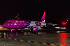 Wizz Air HA-LYO HAJ at Night (U. Heinze) Tags: aircraft airlines airways flugzeug nikon planespotting plane eddv haj hannoverlangenhagenairporthaj