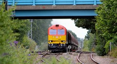 60039 approaches Burton-on-Trent with the 6E08 Wolverhampton Steel Terminal to Immingham, 23rd July 2015. (Dave Wragg) Tags: 60039 class60 tug dbschenker 6e08 burtonontrent loco locomotive railway