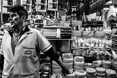 40 Mercadão (faneitzke) Tags: portfolio canon canont5eos1200d canont5 sãopaulo sp sampa brasil brazil brésil américadosul américalatina southamerica latinamerica ameriquelatine latinoamérica americadelsur sudamerica mercadomunicipal mercadão mercado citymarket marché centro centrovelho blackwhite blackandwhite noiretblanc blancoynegro pretoebranco pb bw bn monocromático monochromatic monochromephotography monochromaticphotography worker trabalhador ouvrier seller vendeur vendedor comerciante marchand people gens gente pessoas retrato portrait