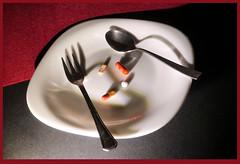 Anglų lietuvių žodynas. Žodis addiction reiškia n palinkimas, žalingas įprotis lietuviškai.