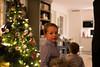 julaften_2017-13 (sndrem1) Tags: helge julen2017 synnøve amund farfar farmor fridtjof gaver håkon julaften juletre pappa pepperkaker åsta