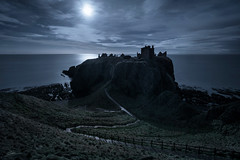 Dunnottar (ScottSimPhotography) Tags: night moon moonlight evening sea ocean northsea coast coastal cliffs dunnottar dunnottarcastle stonehaven aberdeen aberdeenshire scotland scottish britain uk landscape seascape ancient castle harrypotter hogwarts clouds spooky eerie ghost ghostly haunted