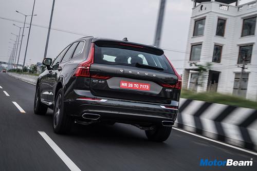 2018-Volvo-XC60-3