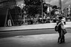 Barcelone, Les amoureux (Olivier DESMET) Tags: barcelone espagne noirblanc catalogne amoureux olivierdesmet blackandwhite bw monochrome candid lesgens people street streetphoto urbain urban canon 6d 40mmstm photosderue scenederue