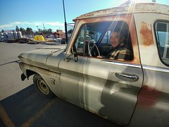 Andy: 1964 Chevrolet C/10 Suburban Carryall (RZ68) Tags: 1964 chevrolet chevy truck rusty old classic suburban c10 man driving lgg6 lg