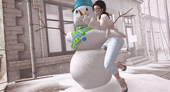Selfie Cutie Snowman 与雪人自拍 (亗 ℛєi アダム亗) Tags: coco mesh escalated villena zombiesuicide vtwins crystalposes event has hashtag darknessmonthly darkness snowdream xmas christmas maitreya akeruka secondlifeblogger secondlife slblogger blog blogger december dec
