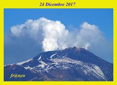 Etna (fr@nco ... 'ntraficatu friscu! (=indaffarato)) Tags: etna italia italy sicilia sicily catania montagna mongibello monte cratere crater fumo natale natura
