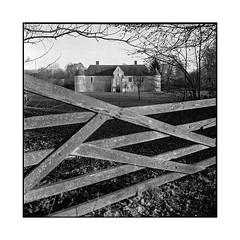 fortified • yvetot, normandy • 2017 (lem's) Tags: fortified farm castle ferme fortifiée chateau barriere gate yvetot normandy normandie rolleiflex t manoir catel ecretteville