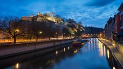 une péniche à Namur (Flyintosh) Tags: namur citadelle péniche etoile voigtlander 21mm f18 ultron heure bleue