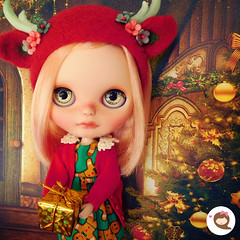 My dear friends, I wish youand yours a Merry Christmas! Have a magical time! 💝🎅🎄 #ninadollface