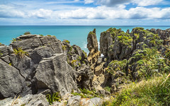 Pancake Rock Coast (redfurwolf) Tags: newzealand panorama pano pancake pancakerocks sky clouds rock water ocean gras coast outdoor landscape nature nationalpark ngc redfurwolf sonyalpha a7r sal2470f28za sony