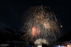 DSC_5882-2 (manuel.moser) Tags: fügen feuerwerk silvester zillertal tirol austria hochfügen raketen schnee berge dunkel wunderschön österreich firework