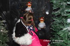 SANTAS-GROTTO-9-12-17-DOBBIES-KINGS-LYNN-(3) (Benn P George Photography) Tags: santasgrotto kingslynn 91217 bennpgeorgephotography santa christmas family georges