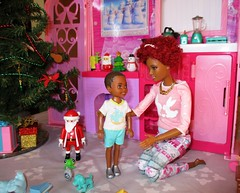 Waiting for Dad to come home (flores272) Tags: fabfringe barbie barbiedoll chelseadoll aachelsea aachelseafriend christmas christmastree toycat santa barbiefurniture barbieclothing barbierealhouse barbiefashionistas madetomovebarbie mattel aabarbie