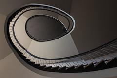 """The """"e"""" (michael_hamburg69) Tags: kiel schleswigholstein kunsthalle architekt architect georglohr 1908 treppeausden50erjahren treppenhaus treppenauge treppe stair stairs stairway staircase"""