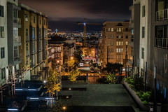 waller street corridor (pbo31) Tags: bayarea california nikon d810 color january 2018 winter boury pbo31 sanfrancisco city urban lightstream motion hayesvalley night dark black traffic roadway waller over yellow construction courtyard plaza