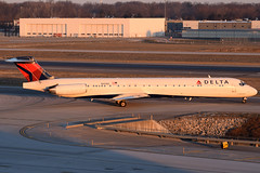 Delta Air Lines MD-88 N991DL at KCMH (Lunken Spotter) Tags: columbus ohio oh centralohio franklincounty airport airports airplane airplanes plane planes jet jets airline airlines airliner airliners airtravel aviationphotography planespotting flugzeug vliegtug avion aviao travel transport transportation airtransport airtransportation passenger airfield airfields winter wintertime cold frosty frozen frigid freeze freezing mcdonnelldouglas mcdonnelldouglasmd80 mcdonnelldouglasmd88 md88 n991dl deltaairlines delta dl dal departure departing morning sunrise mornings