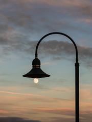 magic lantern (Mechaniac1) Tags: 2017 astro laterne linz location mond objekte silvester