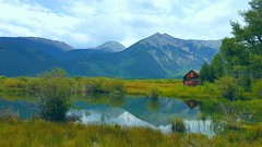 Hut by the lake (Chris Soe) Tags: hut cottage hütte lake sea teich see colorado rockymountains twinlakes samsung galaxys7edge