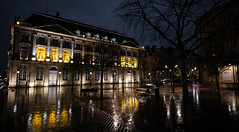 Rainy floor (\Nicolas/) Tags: bordeaux rainy sol pluie nuit night réflexion