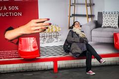 Entrez dans le rêve (amor du 94) Tags: 13ème artculture couleur danslemétro décalage entrailles femme humour lieu métro parissud publicité scène sujet série