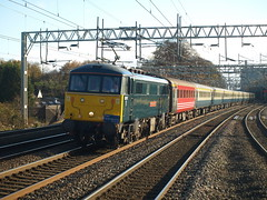 Classic West Coast Mainline traction at Rugeley Trent Valley (Oz_97) Tags: rugeleytrentvalley caledoniansleeper gbrf 86101