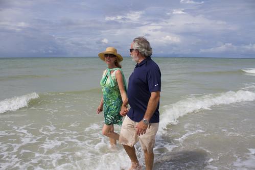 WWI ADULTS BEACH WALK