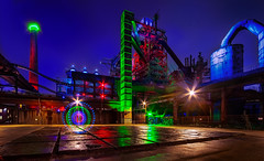 Lightpainting (ellen-ow) Tags: duisburg nachtaufnahme langzeitbelichtung lightpainting light licht bunt farbig longexposure night ellenow nikond5 industrie alt old