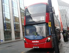Metroline VWH2333 LK17DDA | 52 (Unorm001) Tags: red london double deck decks decker deckers buses bus routes route diesel hybrid electric dieselelectric battery batteryelectric hybridelectric vwh2333 2333 vwh lk17dda lk17 dda