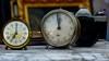 Hey, Wake up... you're still on time (Raquel Borrrero) Tags: reloj despertador antiguo minolta cámara camera alarm clock old oldies antiguedades nikon mármol mesa marble