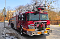 White Plains Fire Department Ladder 32 (Triborough) Tags: ny newyork westchestercounty whiteplains wpfd whiteplainsfiredepartment firetruck fireengine ladder ladder32 spartan smeal