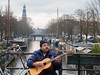 De Lekkeresluis (johan wieland) Tags: prinsengracht amsterdam westertoren straatmuzikant jordaan gracht canal lekkeresluis gitaar