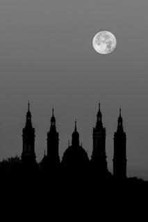 Amanecer a la luz de la luna II