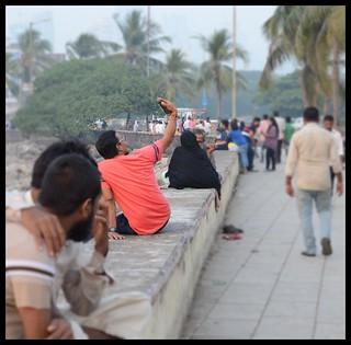 CHAL  BETA  SELFIE  LE LE RE ..... Evening @ Haji Ali Causeway