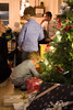 julaften_2017-26 (sndrem1) Tags: helge julen2017 synnøve amund farfar farmor fridtjof gaver håkon julaften juletre pappa pepperkaker åsta