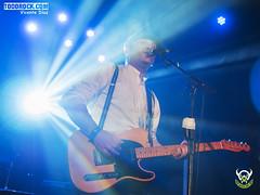 Michel Molinera (yiyo4ever) Tags: concierto stafas salacaracol caracol luces lights stage escenario guitarra guitar bajo bassguitar guitarplayer bassplayer gibson fender drums bateria jimistafas michelmolinera javierdelpalacio manoloarias oscarlinares malospelos martinmusic zuiko1240mmf28 samyang75mmf35