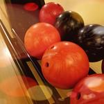 Bowlingkugeln - zum Anbeißen! thumbnail