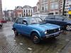 16-TZ-14  HONDA Civic 1200 Deventer met op de achtergrond de Saxofoonwinkel (wit pand met oranje dakpannen) (willemalink) Tags: 16tz14 honda civic 1200 deventer