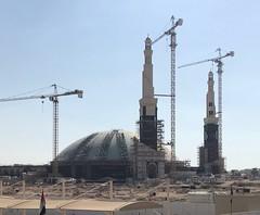 "Major construction project: New Grand Mosque, Al Ain, UAE (Patrissimo2017) Tags: ""constructioncrane"""