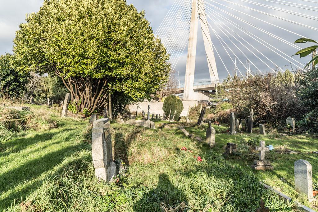 THE WILLIAM DARGAN BRIDGE IN DUNDRUM [LUAS GREEN LINE TRAM STOP DUNDRUM]-135142