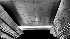 Abyssal... (vedebe) Tags: noiretblanc netb nb bw monochrome architecture ville city rue street urbain urban